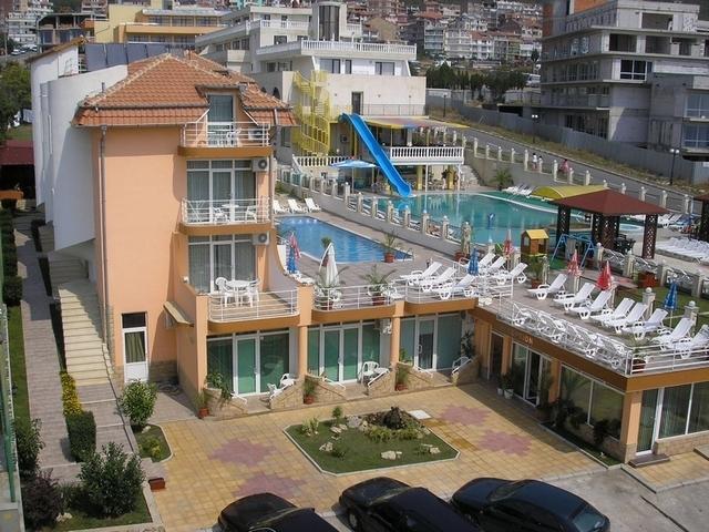Хотел Санторини Свети Влас