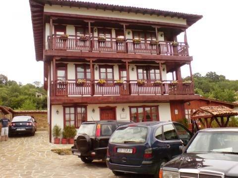 Семеен хотел Манастирски рид Св. Константин и Елена