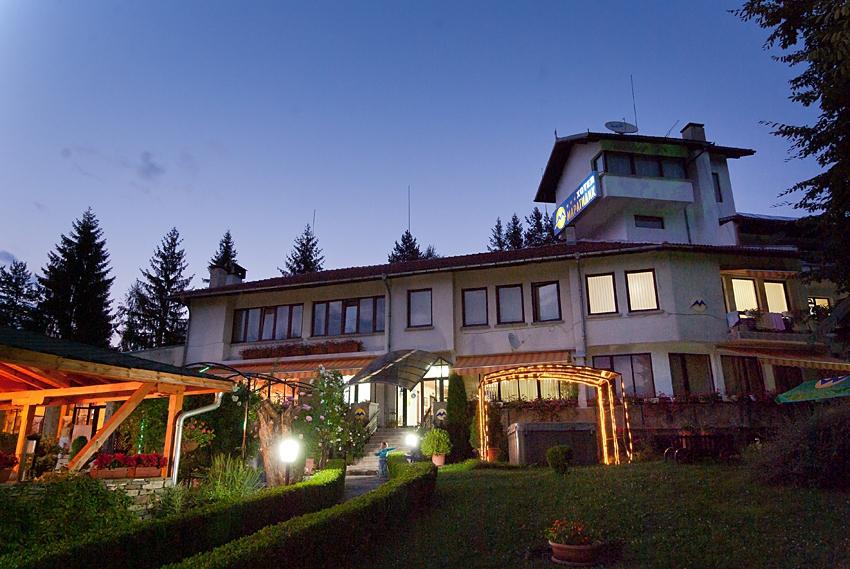 Семеен хотел Мара Гидик Априлци