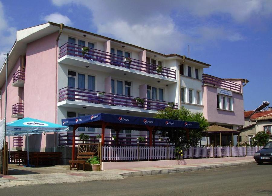 Хотел Стражица Лозенец