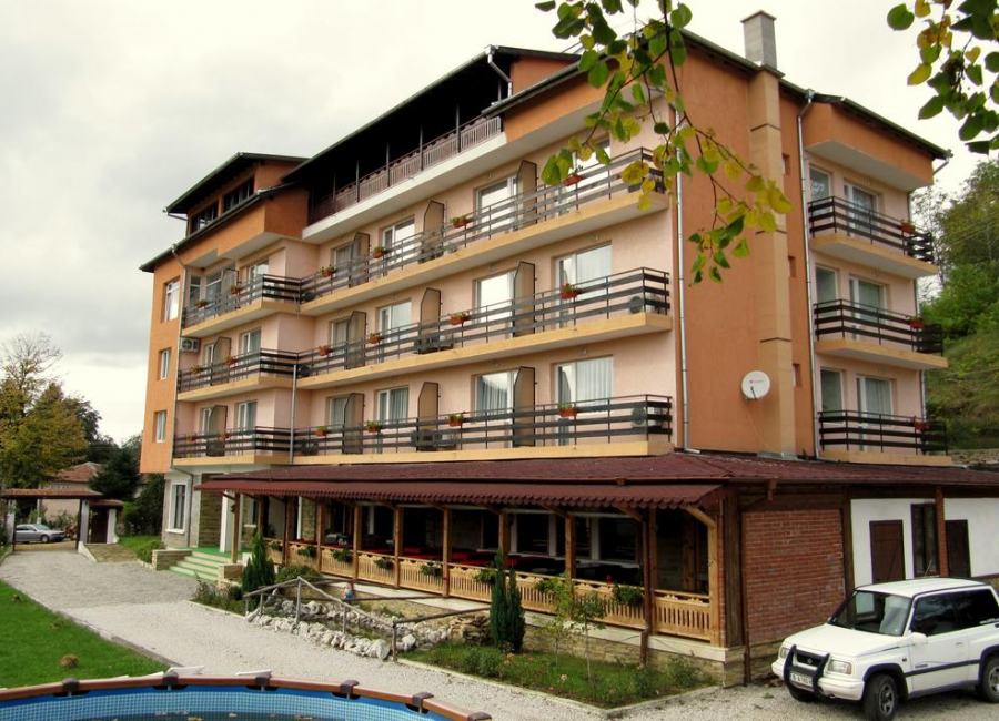 Хотел Липите Типченица