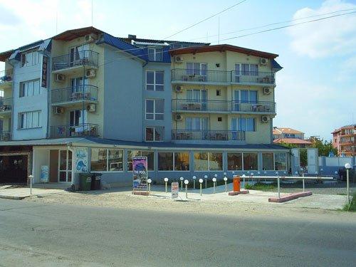Хотел Бенито Равда