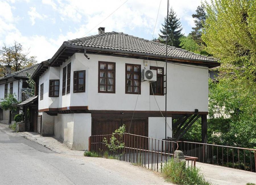 Къщата с кладенеца Трявна