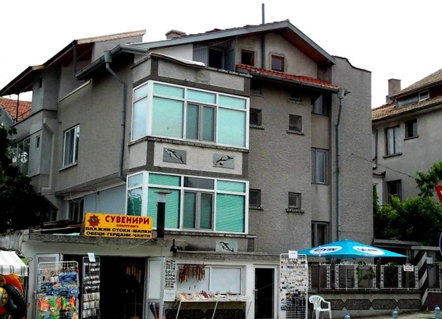 Къща за гости Делфин Ахтопол