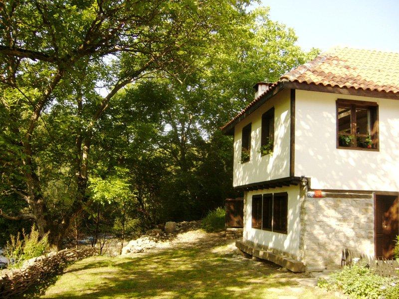 Къща Калина Бели Осъм